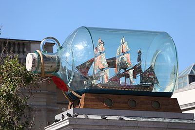 400px-Nelson's_Ship_in_a_Bottle_by_Yinka_Shonibare