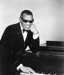 220px-Ray_Charles_classic_piano_pose