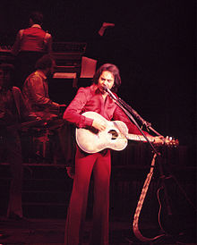 220px-Neil_Diamond_Aladdin_Theater_For_the_Performing_Arts_1976